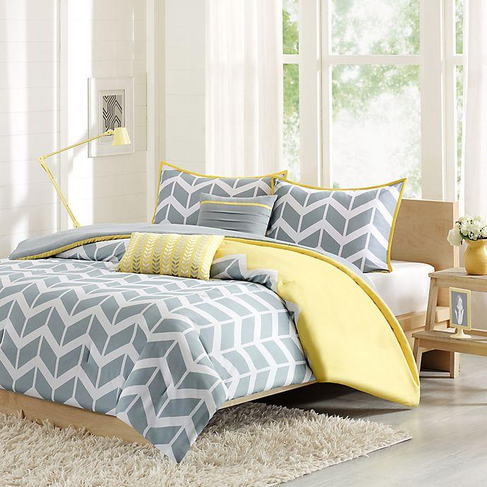 Alternate image 1 for Nadia Reversible King/California King Comforter Set in Yellow