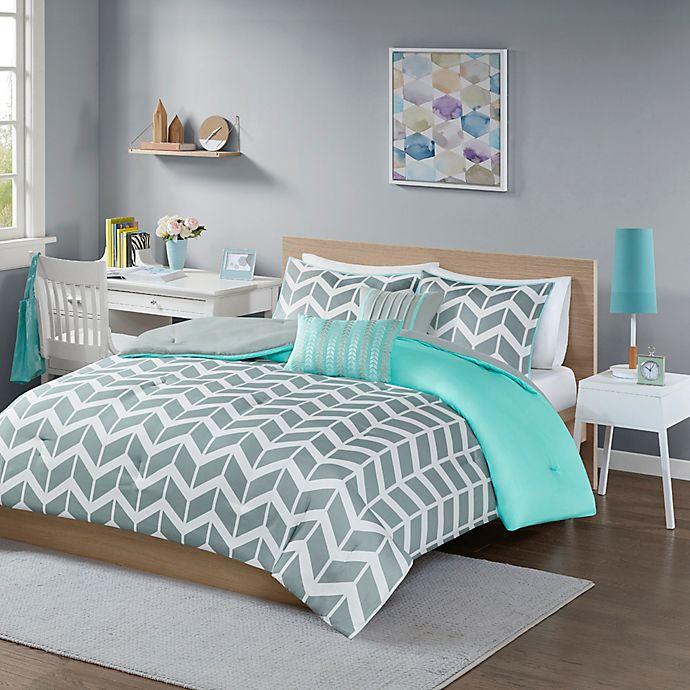 Alternate image 1 for Nadia Reversible King/California King Comforter Set in Teal