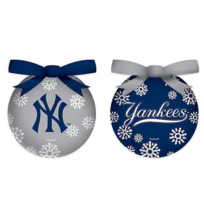 Illuminated Led Ornaments: MLB New York Yankees LED Lighted Christmas Ornament Set