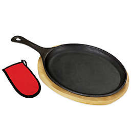 Bayou Classic® Cast Iron Fajita Pan with Wooden Trivet