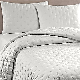 Vera Wang™ Luster Quilt