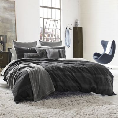 Kenneth Cole Reaction Home Obsidian Reversible Duvet Cover in