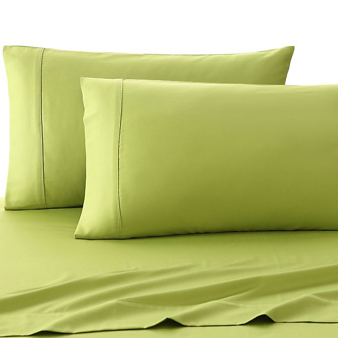 Alternate image 1 for Fiesta® 300-Thread-Count Solid Twin Sheet Set in Lemon Grass