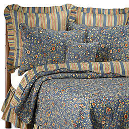 Wakefield Reversible Quilt in Blue