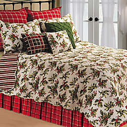 Mistletoe Reversible Quilt in Cream