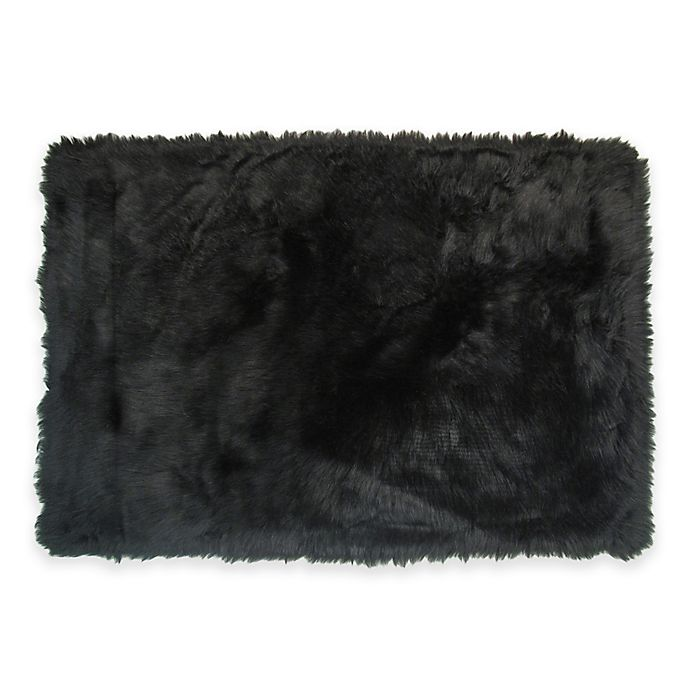 Alternate image 1 for Fun Rugs 2-Foot 7-Inch x 3-Foot 11-Inch Flokati Accent Rug in Black
