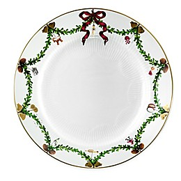 Royal Copenhagen Star Fluted Christmas Dinner Plate