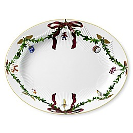 Royal Copenhagen Star Fluted Christmas 14.25-Inch Oval Platter