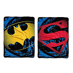 DC Comics Superhero Shield Micro-Raschel Throw
