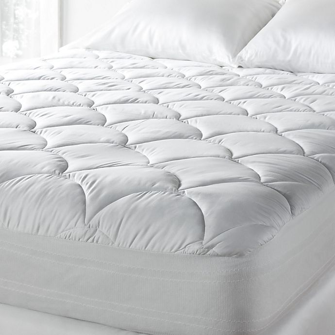 Alternate image 1 for Tommy Bahama® 300 Thread Count Queen Mattress Pad
