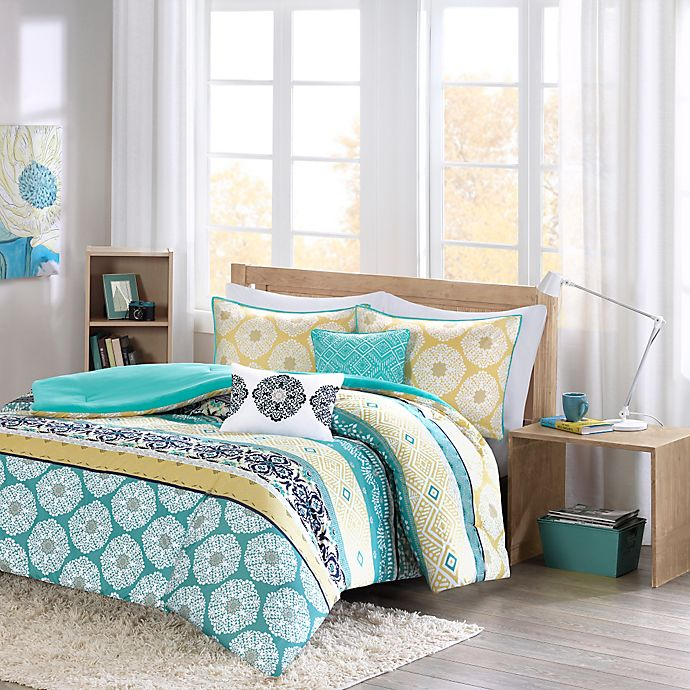 Alternate image 1 for Intelligent Design Arissa Full/Queen Comforter Set