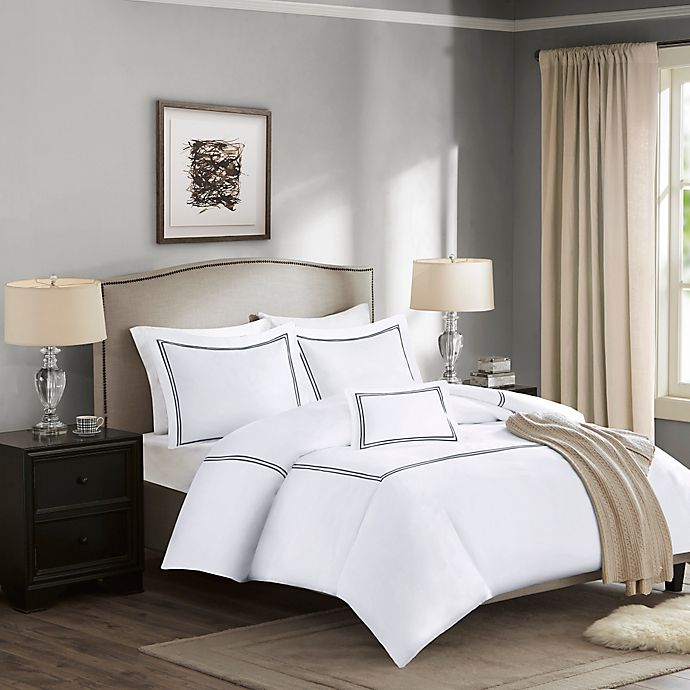 Alternate image 1 for Madison Park Signature 1000-Thread-Count Embroidered Full/Queen Duvet Cover Set in Black
