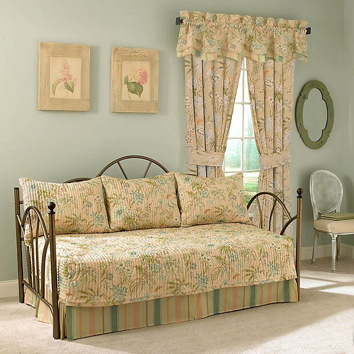 Alternate image 1 for Waverly® Cape 4-Piece Reversible Daybed Set in Coral