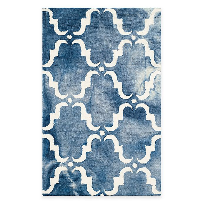 Alternate image 1 for Safavieh Dip Dye Trellis Curve 2-Foot 6-Inch x 4-Foot Accent Rug in Navy/Ivory