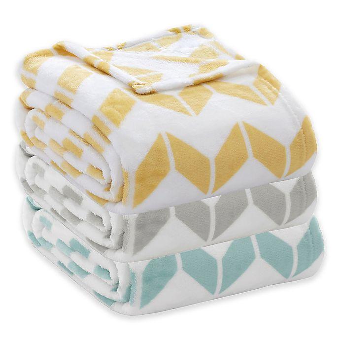 Alternate image 1 for Intelligent Design Chevron Plush Blanket