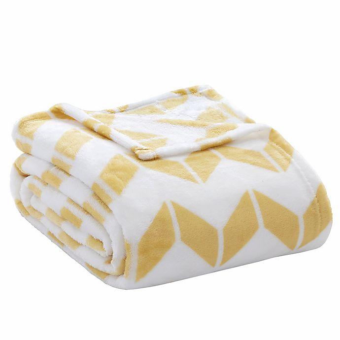 Alternate image 1 for Intelligent Design Full/Queen Chevron Plush Blanket in Yellow