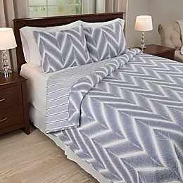 Nottingham Home Oriana 3-Piece Reversible Quilt Set in Blue/White