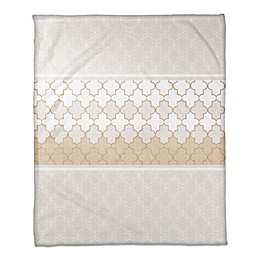 Quatrefoil Neutral Throw Blanket in Beige/Cream