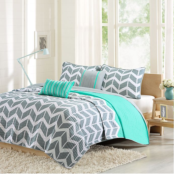 Alternate image 1 for Intelligent Design Nadia 5-Piece Reversible King/California King Coverlet Set in Teal
