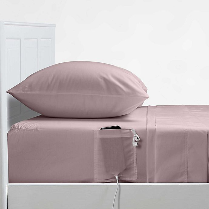 Alternate image 1 for Distinct Dorm® 200-Thread-Count Sheet Set with Cell Phone Pocket