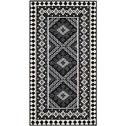 Safavieh Veranda Ronin 2' x 3'7 Indoor/Outdoor Accent Rug in Black