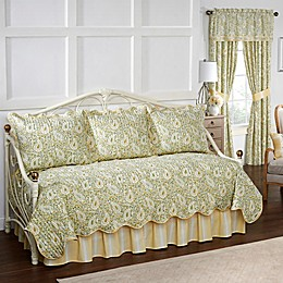 Waverly® Paisley Verveine 5-Piece Reversible Daybed Quilt Set in Spring