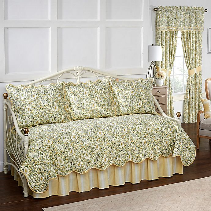 Alternate image 1 for Waverly Paisley Verveine Reversible Daybed Quilt Set in Spring