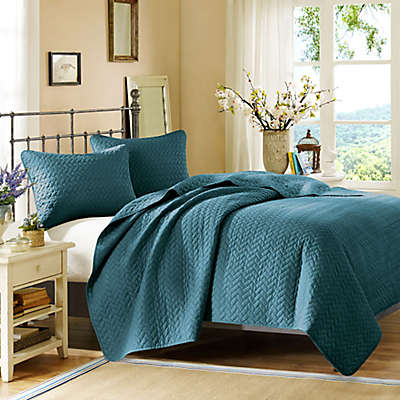Hampton Hill Bennett Place Coverlet Set in Peacock