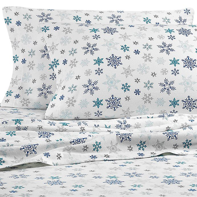 Alternate image 1 for Eddie Bauer Tossed Snowflake Flannel Sheet Set