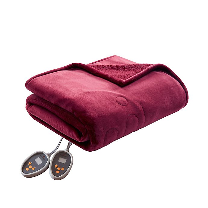 Alternate image 1 for Woolrich Heated Plush to Berber Queen Blanket in Red