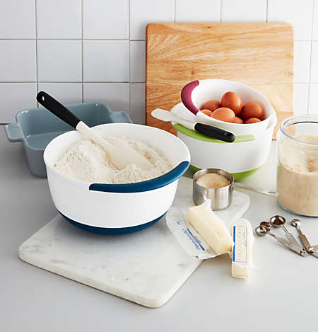 Make breads and desserts with mixing bowls, cutting boards, and more.