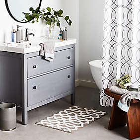 Go bold with minimalist designs and a simple, neutral palette.