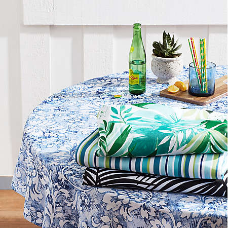 25% off select outdoor table linens