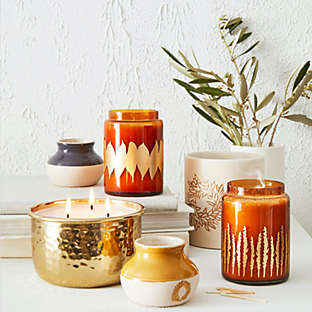 Fill the space with inviting seasonal scents.