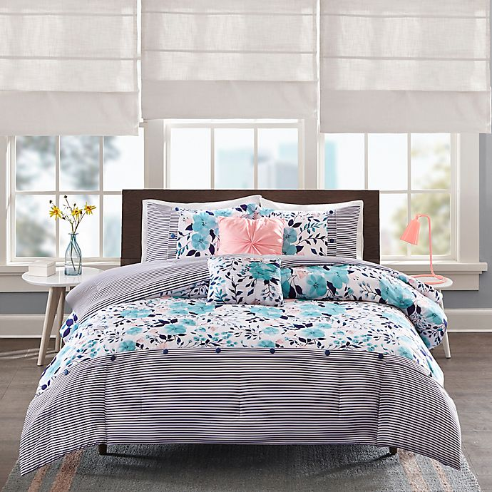 Alternate image 1 for Intelligent Design Delle Reversible Comforter Set in Blue