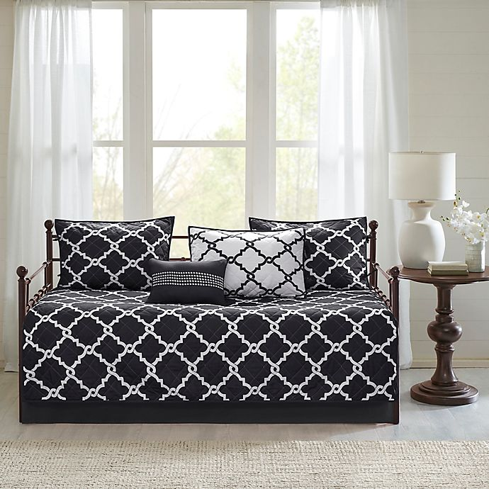 Alternate image 1 for Madison Park Essentials Merritt Reversible Daybed Set in Black