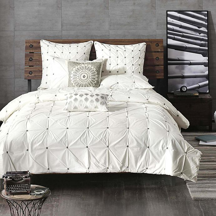 Alternate image 1 for INK+IVY Masie Bedding Collection