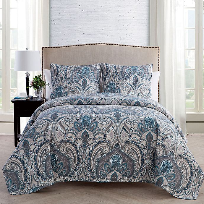 Alternate image 1 for VCNY Home Lawrence Damask Quilt Set