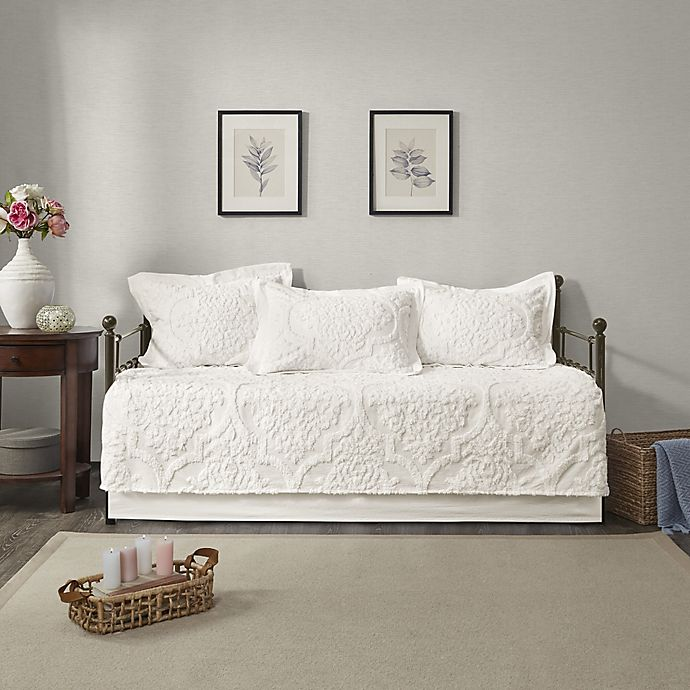 Alternate image 1 for Madison Park Viola 5-Piece Chenille Daybed Set in White