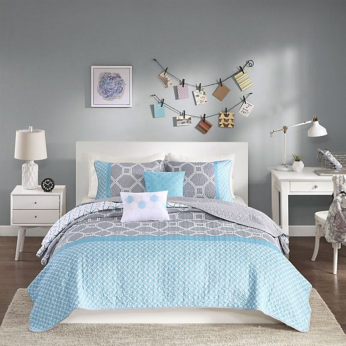 Alternate image 1 for Intelligent Design Clara Twin/Twin XL Coverlet Set in Blue